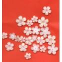 blomster af harpiks klar/hvid ca. 23stk.